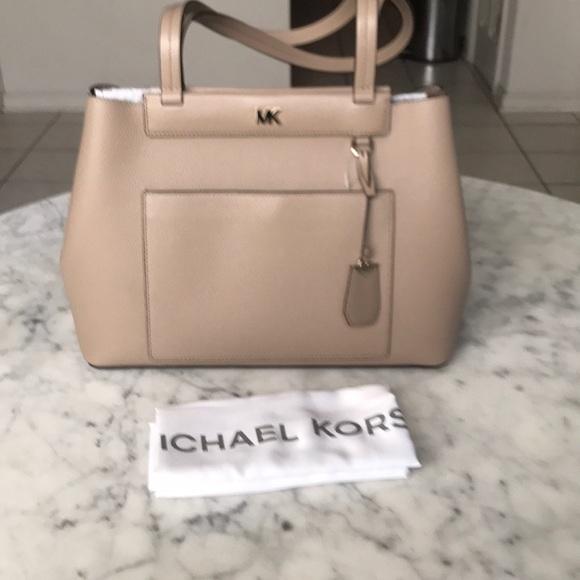 528f3a2db051 Michael Kors Bags | Meredith Medium Bonded Tote | Poshmark